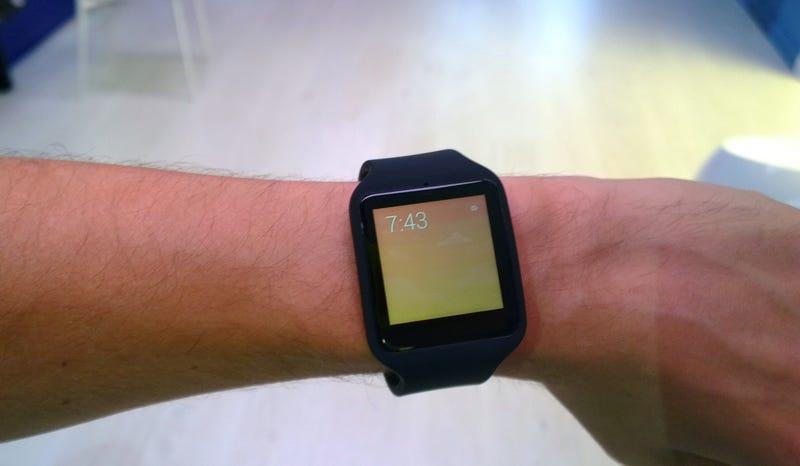 Illustration for article titled Sony Smartwatch 3: así es el último reloj con Android Wear