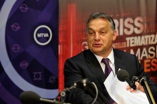Illustration for article titled Orbán: Ilyen körülmények között nem lehet bevezetni semmit sem