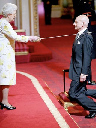 Illustration for article titled Sir Patrick Stewart? The Queen made it so