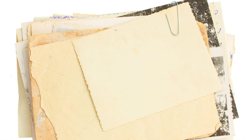 Illustration for article titled Woman Gets Letter Mailed By Her Mother in 1969