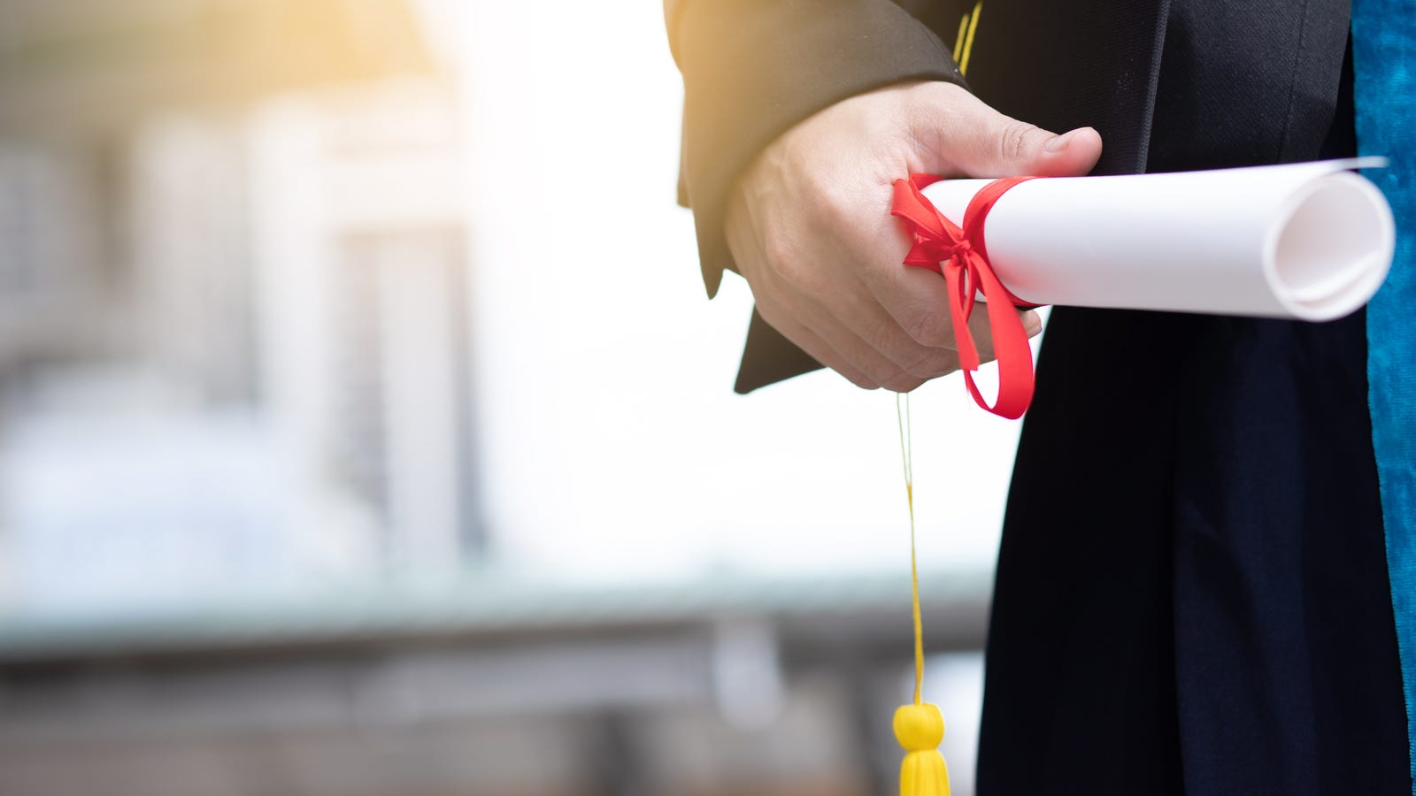 The Best Credit Cards for Recent College Grads