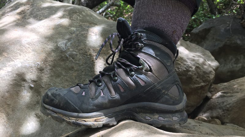 5 Best Hiking Boots For Wide Feet 2017