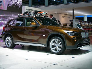 Illustration for article titled BMW X1 Debuts With Abundant Skiing Tchotchkes