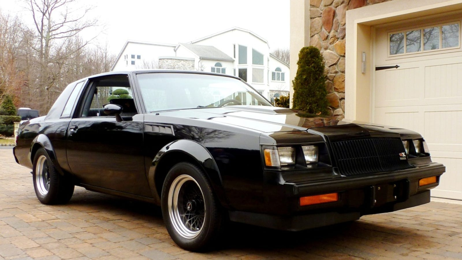 this is what a buick gnx with 8 000 miles on the clock. Black Bedroom Furniture Sets. Home Design Ideas