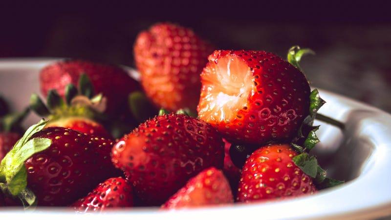 Illustration for article titled Highlight Fruit's Sweetness With a Splash of Vinegar