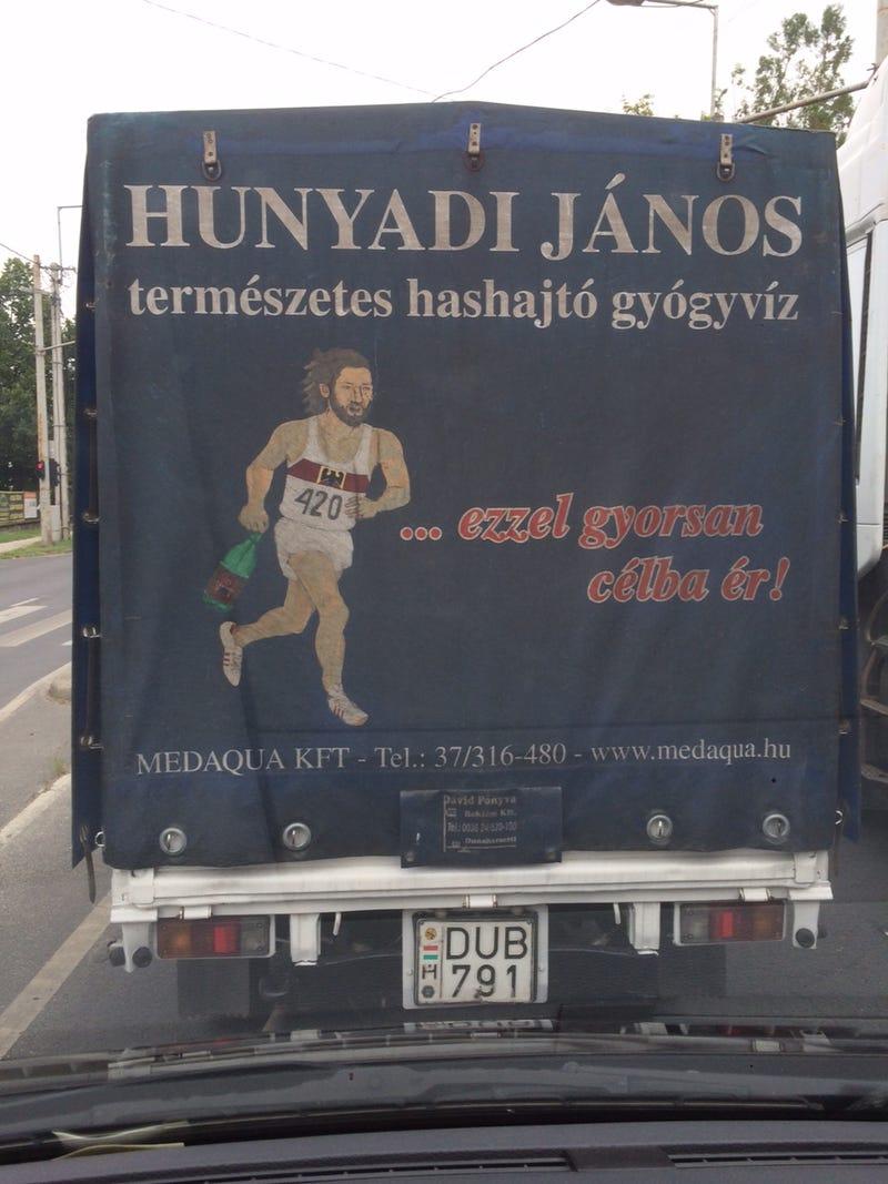 Illustration for article titled Csodálatos kézműves reklámot fotózott olvasónk egy teherautón