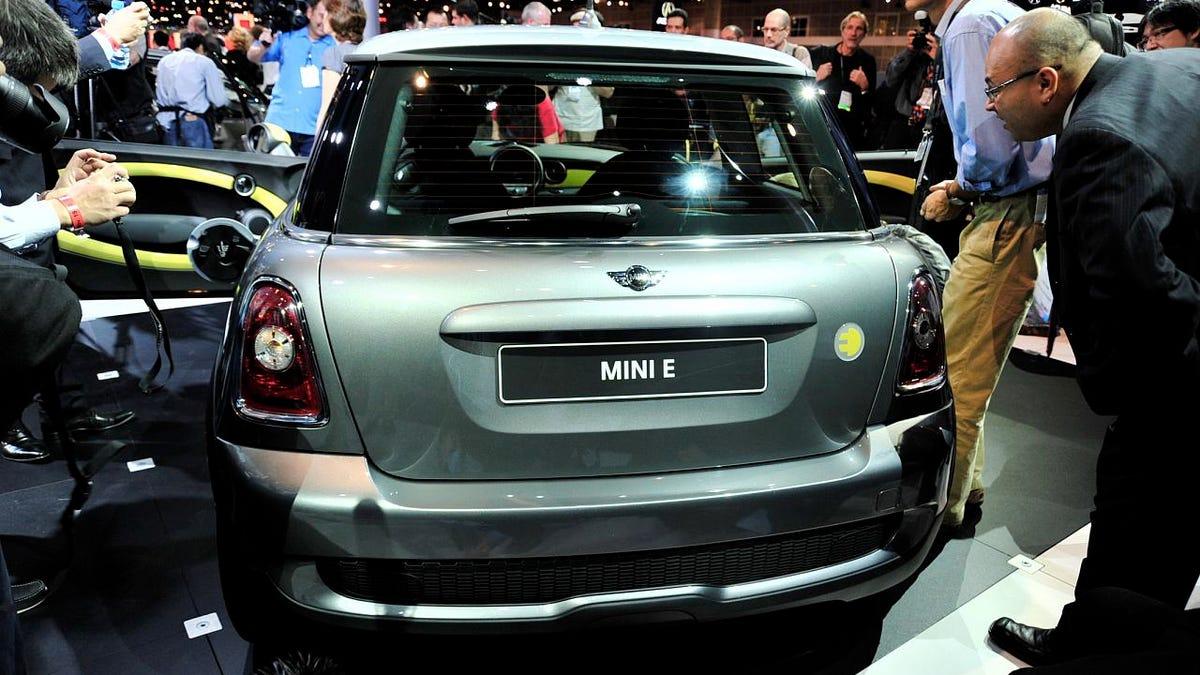 All-Electric MINI E Hits LA Auto Show Floor With \