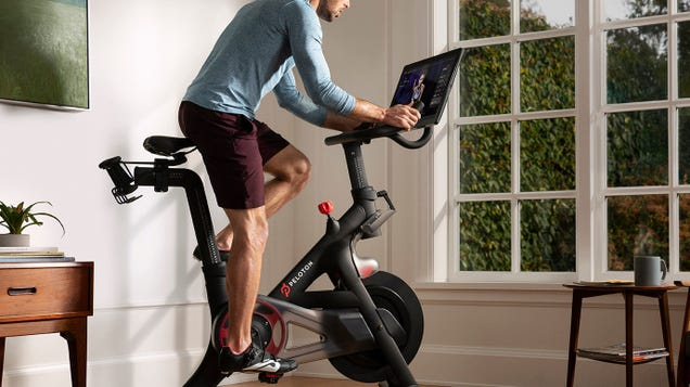'Terrible Tunes': Peloton Users Furious After Luxury Fitness Machines Get Low-Rent Playlists