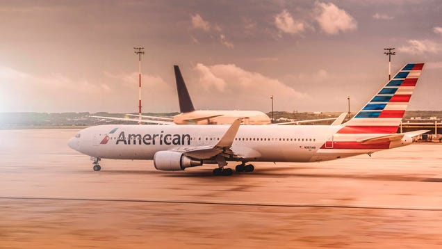 Volunteer Your Seat (and Get Paid For It) Using American Airlines App