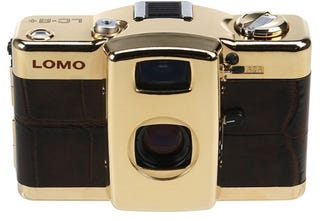 Illustration for article titled Lomo LC-A+ Camera Goes High-End With 24-Carat Gold Finish