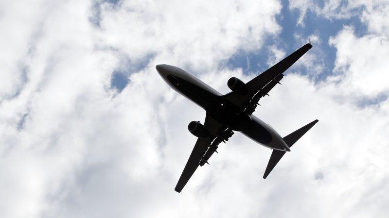 Illustration for article titled A qué tienes derecho exactamente cuando tu vuelo se retrasa