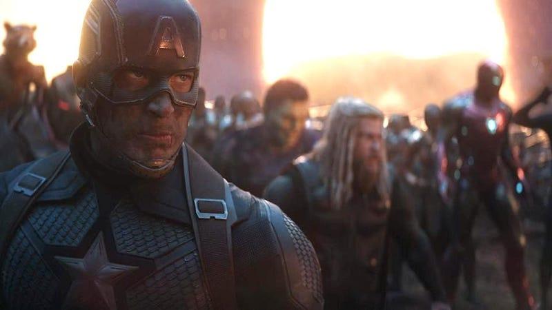 Illustration for article titled Los directores de Avengers: Endgame explican por qué eligieron a ese personaje como el nuevo Capitán América