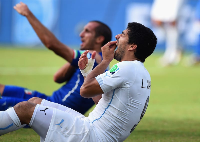Illustration for article titled FIFA Hits Luis Suárez With Four-Month Ban