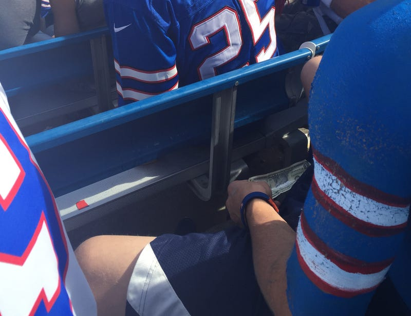 Illustration for article titled Bills Fan Spices Up Halftime With Mysterious White Powder