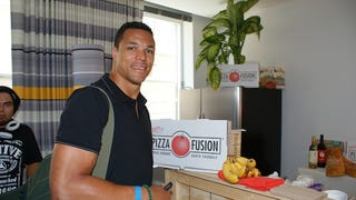 Illustration for article titled Tony Gonzalez's House Comes With Its Own Porsche