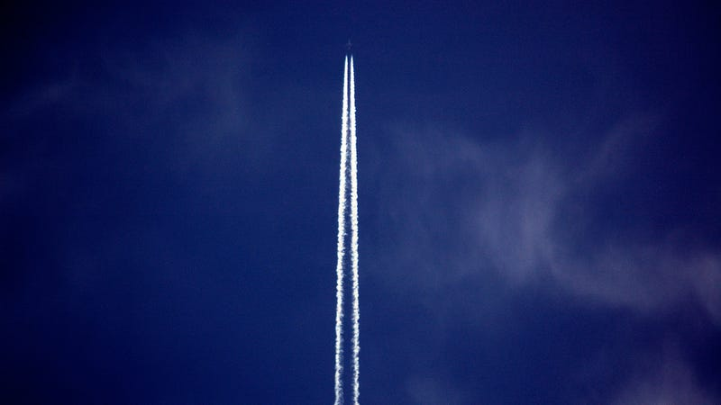 Illustration for article titled Chemtrails Aren't the Geoengineering Debate We Should Be Having (Because They Aren't Real)