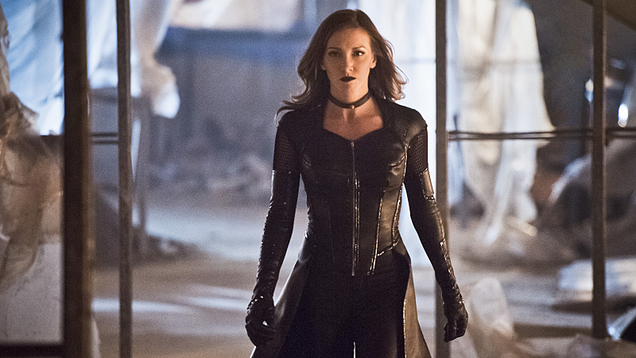 katie cassidy is returning to arrow but not as black canary
