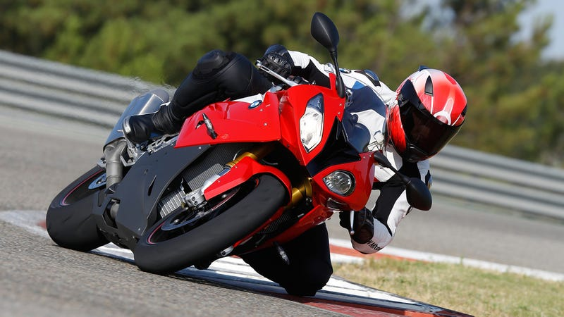Illustration for article titled New BMW S1000RR Has Launch Control And Lean Angle Display, Still Ugly