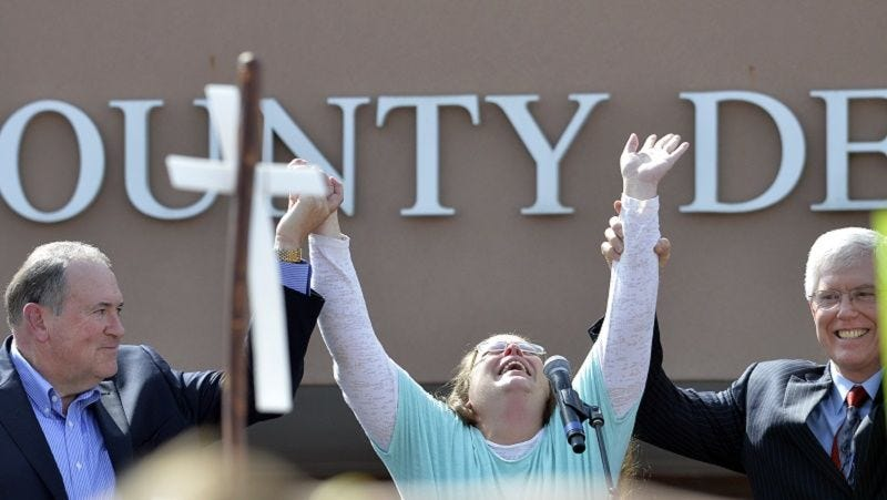 Illustration for article titled Deputy Clerk Claims Kim Davis Altered Marriage Licenses, Interfered With Court's Orders