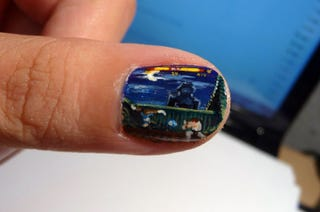 Illustration for article titled A Street Fighter II Painting So Small, It Could Fit on a Fingernail