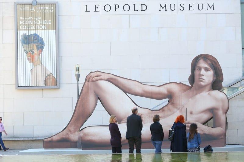 Illustration for article titled Nudistákat is szívesen látnak a bécsi pucérkodós kiállításon