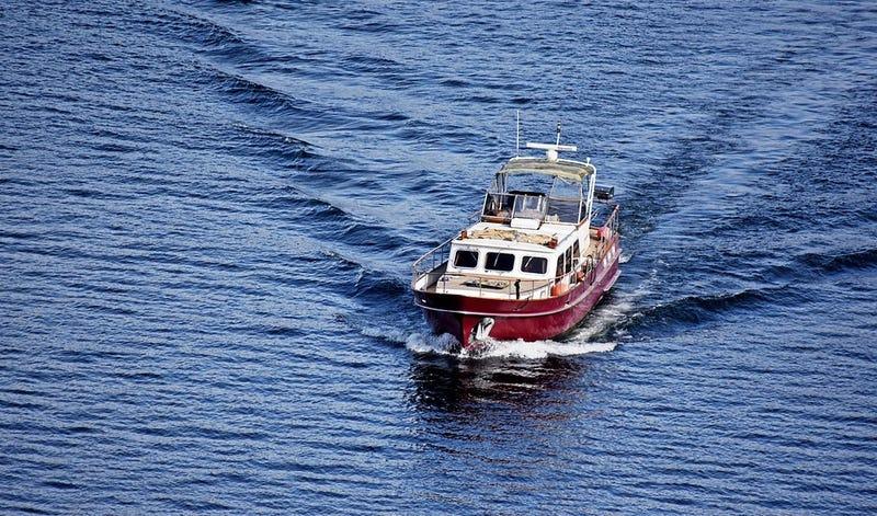 Illustration for article titled Cuál es la mayor distancia que puedes hacer viajando en línea recta por mar sin chocar con nada
