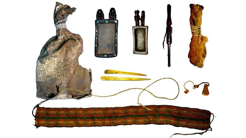 The Cueva del Chileno ritual bundle.