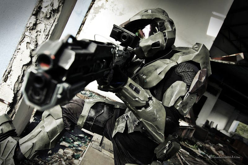 Illustration for article titled Master Chief Is Real, Takes Nice Pictures