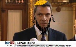 Illustration for article titled Lázár Jánosnál csak a fanatikus Lázár-gyűlölők ijesztőbbek