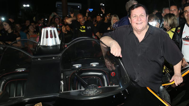 Illustration for article titled Batman's Burt Ward is showing up for the next big Arrowverse event