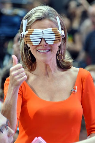 Illustration for article titled Meredith Vieira Tries Sporting Gaga's Cigarette Glasses