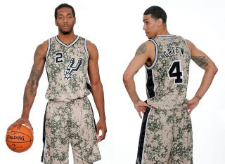 Illustration for article titled The Spurs' Camouflage Jerseys Are Not Fun To Look At