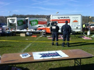 Illustration for article titled UHaul Truck Collides With Tailgaters At Yale Bowl, Kills One, Injures Two Others [UPDATE]