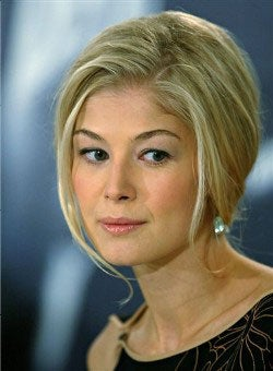 Illustration for article titled Starlet Rosamind Pike To Suffer As Vain Surrogate