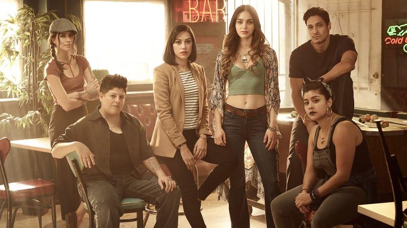 Maria-Elena Laas, Ser Anzoategui, Mishel Prada, Melissa Barrera, Carlos Miranda, and Chelsea Rendon star in Vida