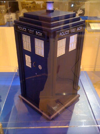Illustration for article titled TARDIS PC Case Gallery