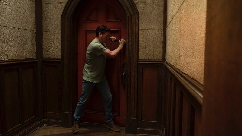 Henry Thomas in Netflix's upcoming series The Haunting of Hill House.