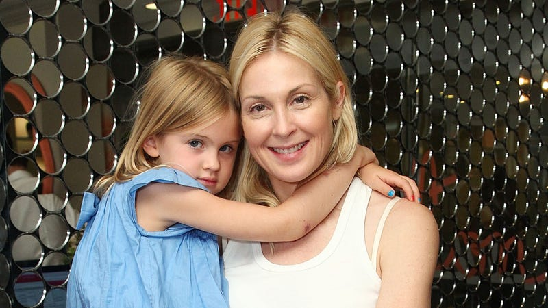 Illustration for article titled Vanity Fair Dove Deep Into Kelly Rutherford's Custody Battle, and I'm Still So Confused