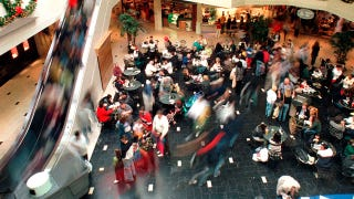 Illustration for article titled Shopping Malls To Track Your Mad Dash For Deals Using Your Cellphone
