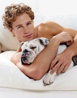 What his cuddling body language reveals