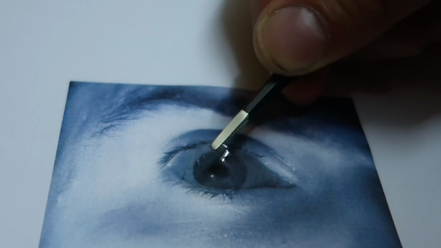 It s Alarmingly Easy to Hack the Samsung Galaxy S8 s Iris Scanner