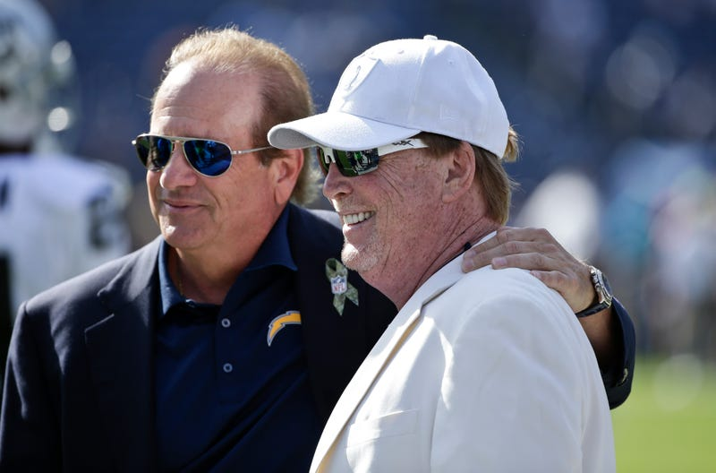 Illustration for article titled The Torture Isn't Over Yet For Chargers And Raiders Fans