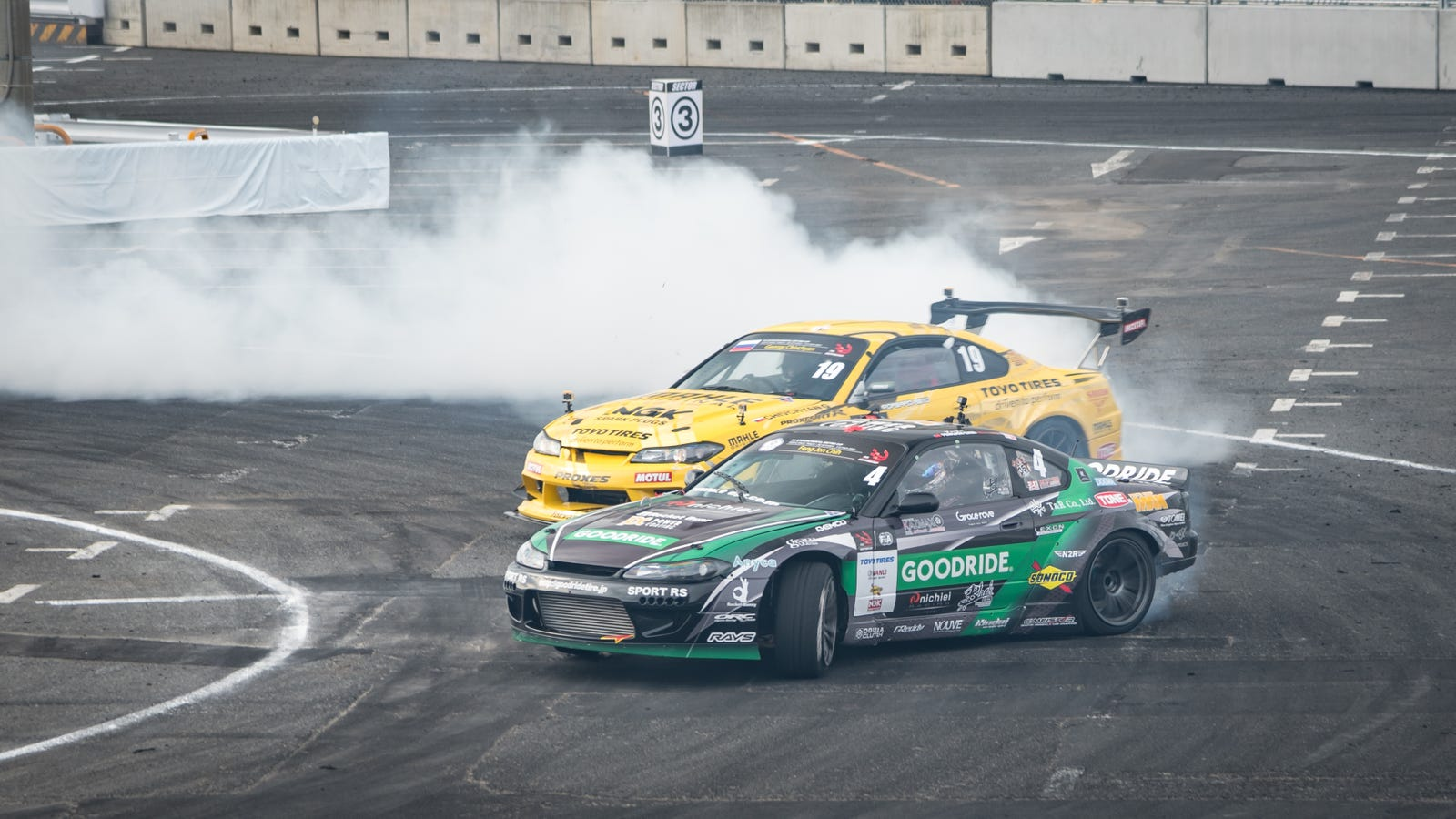 this is what it looks like when drifting hits the big leagues in japan