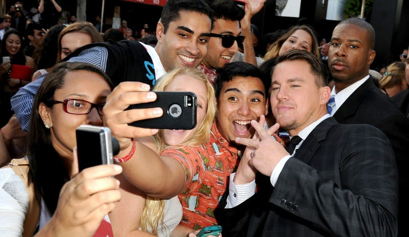 Illustration for article titled Pretty Much Everyone Tried to Take a Selfie With Channing Tatum