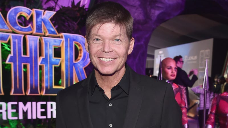 Illustration for article titled Netflix puts on its biggest shoulder pads for a series of Rob Liefeld comic book movies