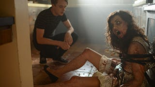 Illustration for article titled Aubrey Plaza Goes Full Zombie In The First Trailer For Life After Beth
