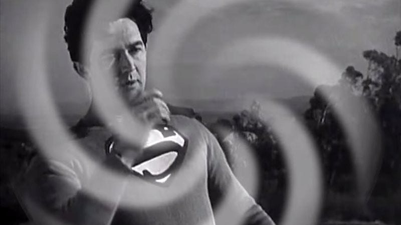 Illustration for article titled Get the Batman V Superman movie you deserve with this '40s-era trailer