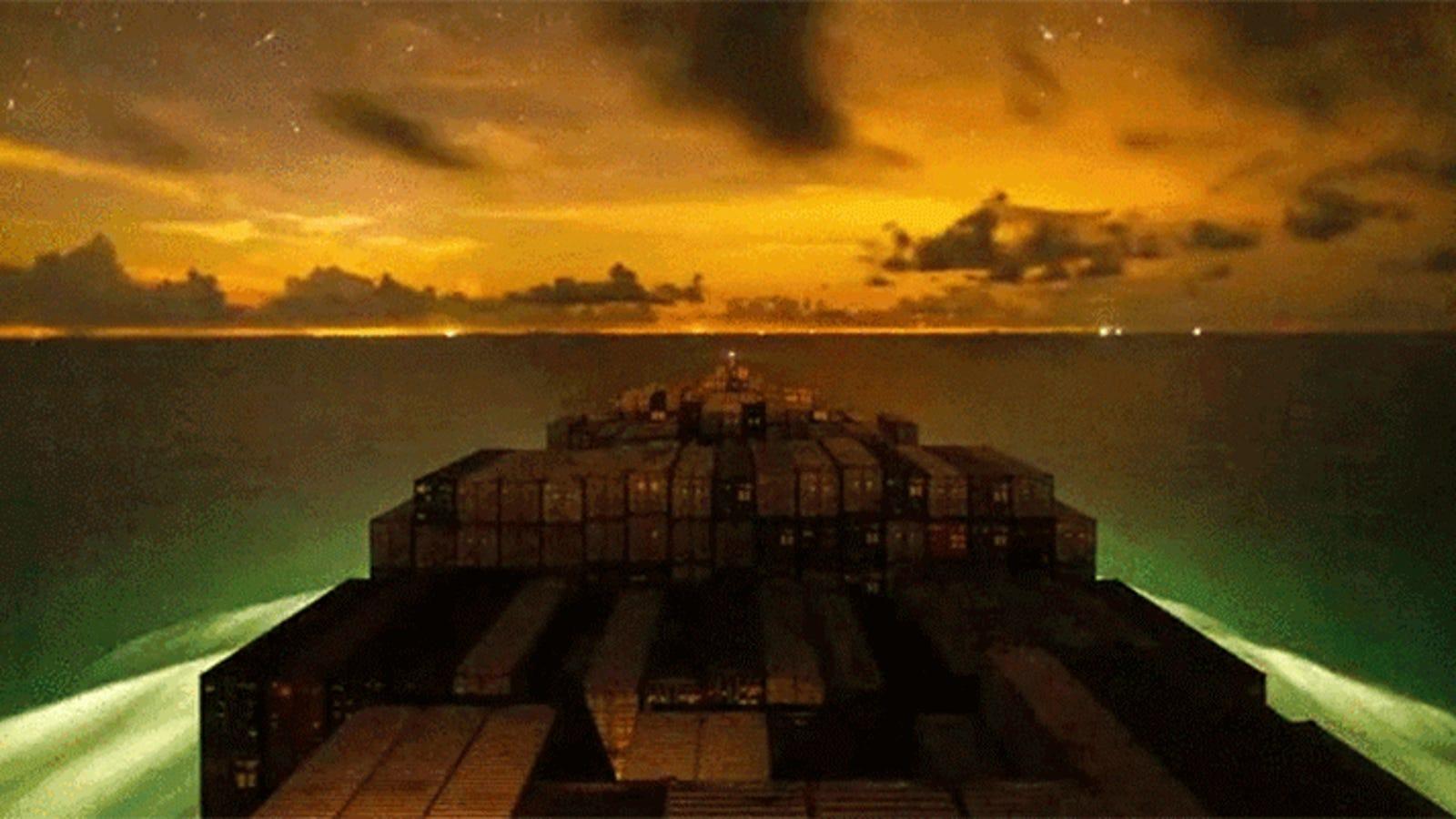 La vida de un buque de contenedores es puro espectáculo en este time-lapse