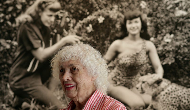 Illustration for article titled Groundbreaking Pin-Up Photographer Bunny Yeager Has Died