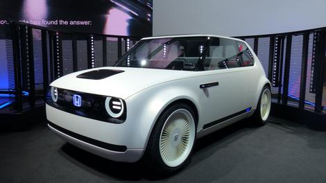 Lets Hope Hondas Electric Sports Car Concept Doesnt Just Break